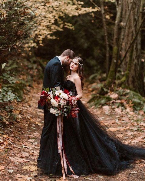 Badass Halloween Wedding Ideas