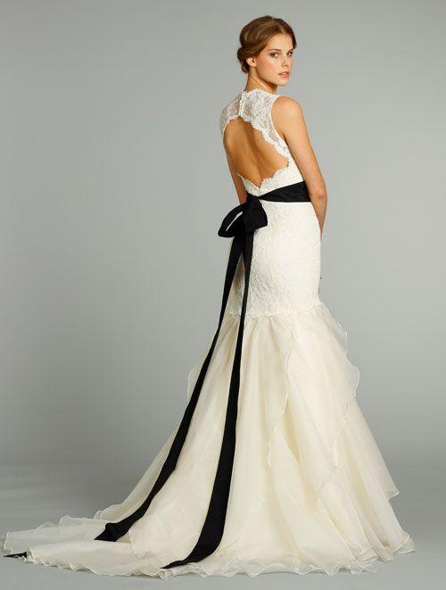 wedding dress trend 2018
